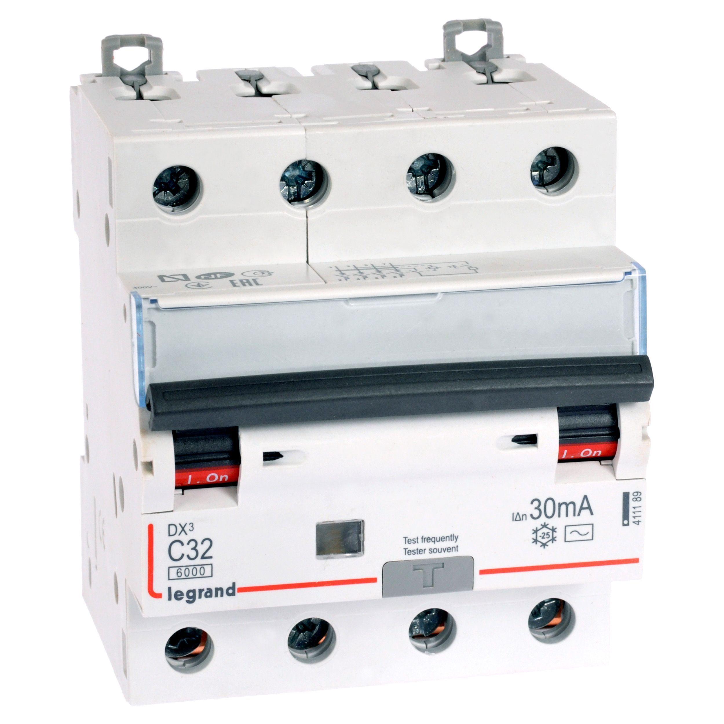 Купить Дифференциальный автомат 4-пол. 32А 30mA тип AC DX3 Legrand